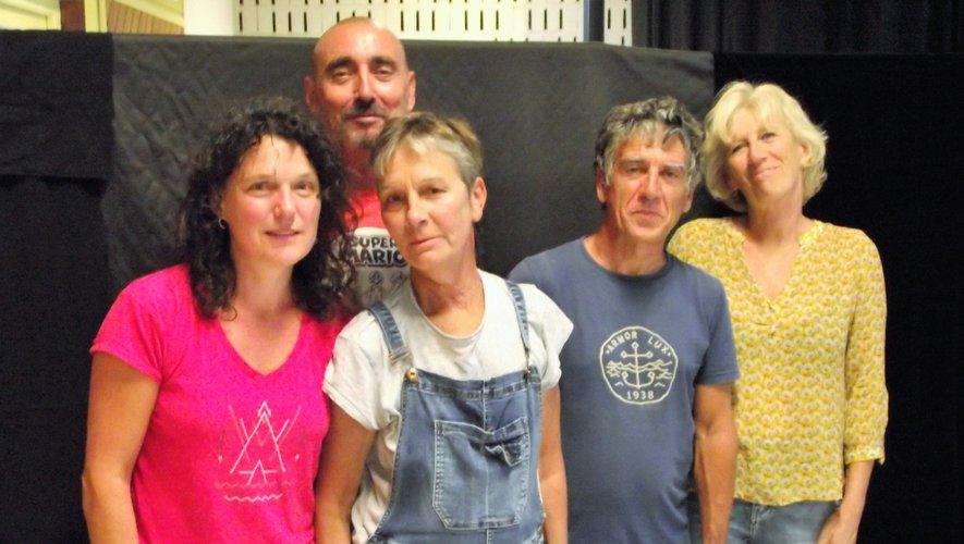 Les Z'oufs, une troupe originaire de Marseille.