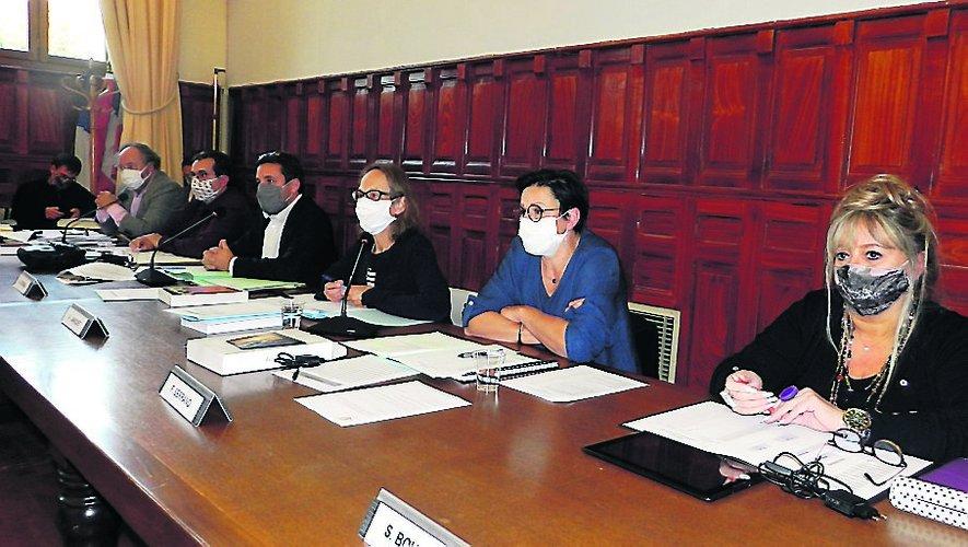 Les élus ont pris plusieurs délibérations concernant le personnel.