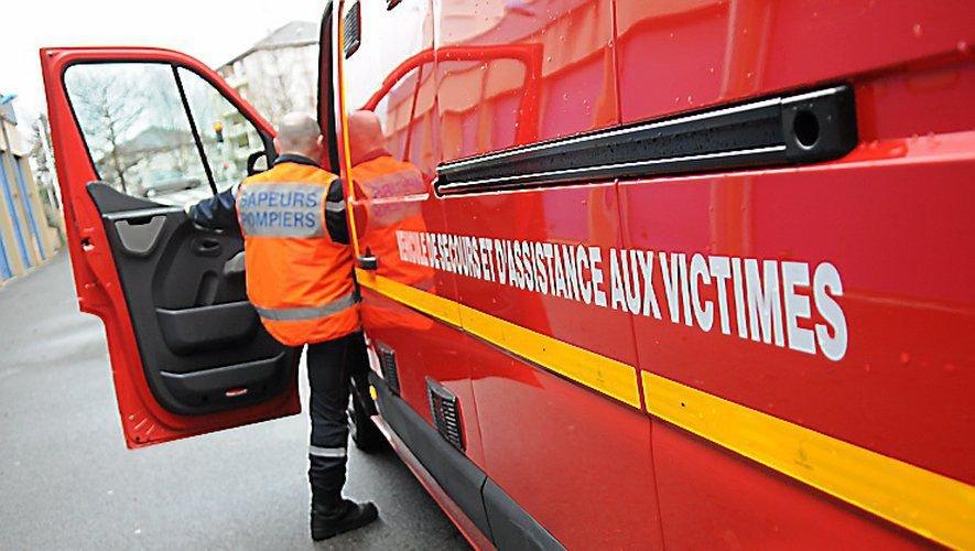 Les pompiers ont constaté un traumatisme à un tibia chez le jeune homme.