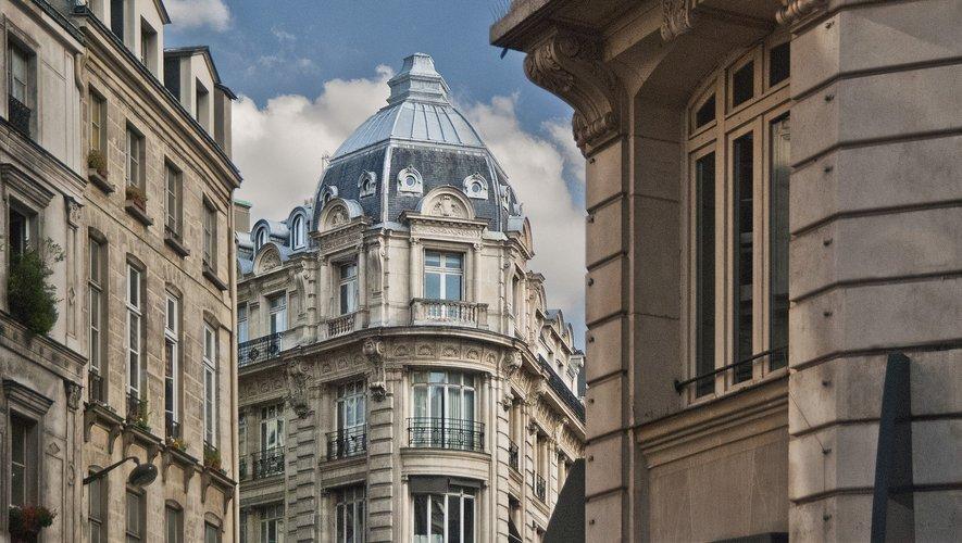 La consommation énergétique moyenne des logements à Paris est estimée à 237 kWh/m2 et par an