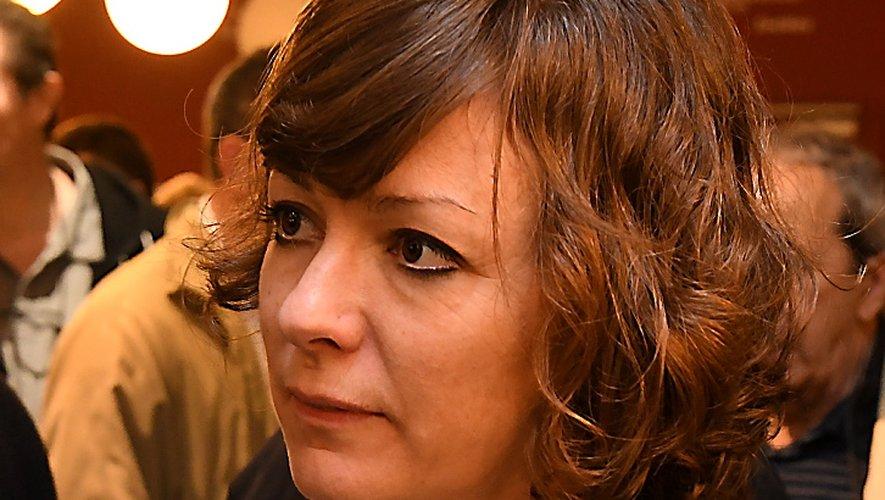 Emmanuelle Gazel mesure le rejet des habitants sur le sujet de l'hôpital médian.