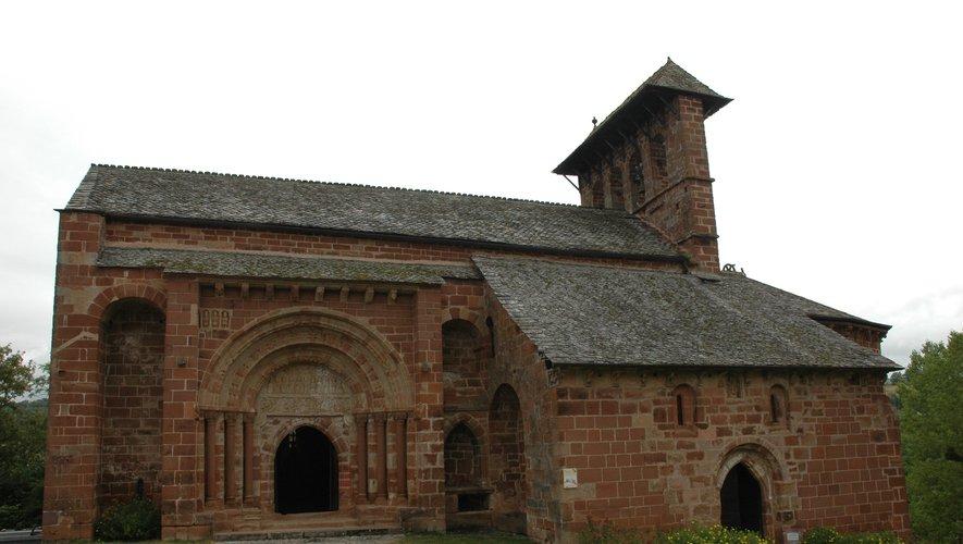 L'église de Perse, un bijou  de l'art roman.
