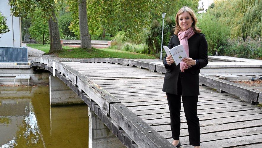 Pascale Baussant est à la tête d'un cabinet de conseil en gestion du patrimoine, basé à Saint-Germain-en-Laye, en région parisienne, qu'elle a créé voilà bientôt deux décennies. La Millavoise de 47 ans vient d'écrire un (premier) livre, véritable pont entre le quotidien d'une entreprise et les actions à mettre facilement en place afin d'agir pour le climat.