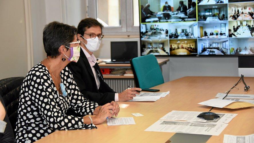 Le lancement de la campagne de vaccination contre la grippe saisonnière s'est tenu dans les locaux de l'ARS, à Rodez, en visioconférence avec les autres ARS d'Occitanie.
