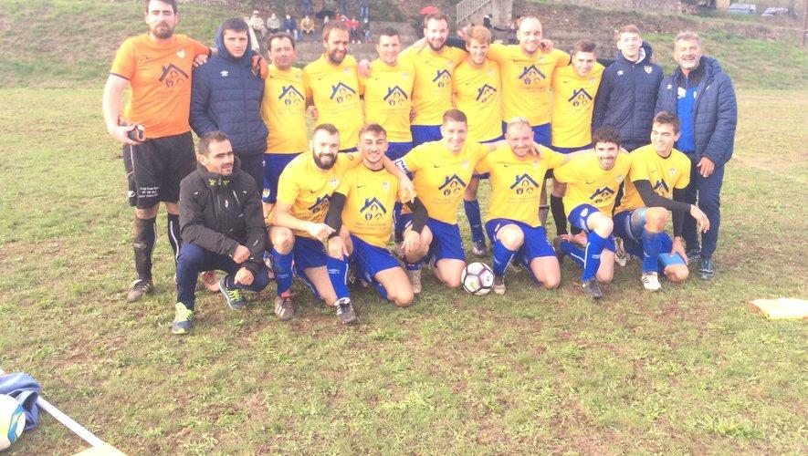 L'équipe victorieuse de Camarès.