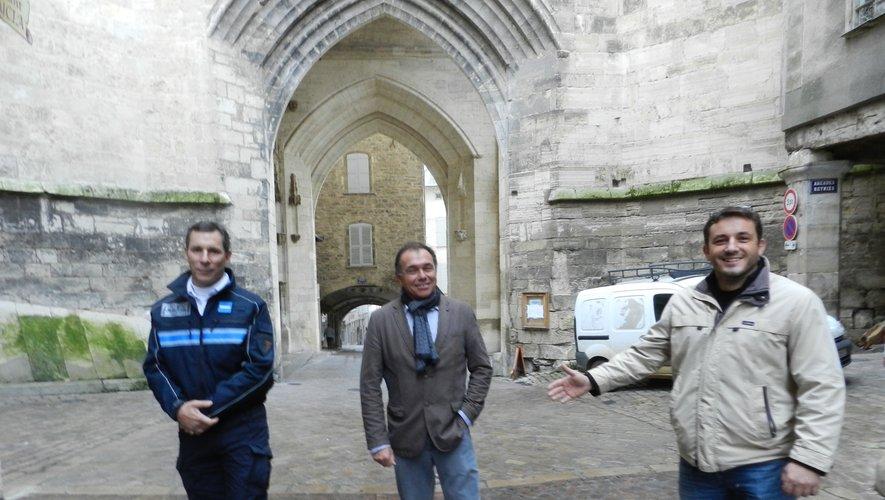 Le maire, Jean-Sébastien Orcibal, a présenté, avec le chef de la police municipaleet le directeur des services techniques, le nouveau plande circulation.