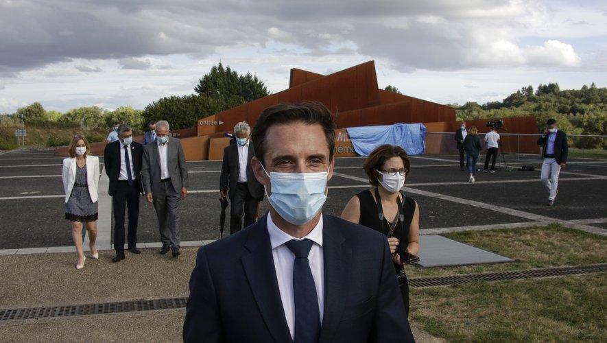 """L'objectif est qu'""""on harmonise à l'aide des tests antigéniques, notamment en Europe, l'ensemble des protocoles sanitaires qui aujourd'hui sont un peu différents"""", a indiqué le ministre délégué aux Transports Jean-Baptiste Djebbari"""