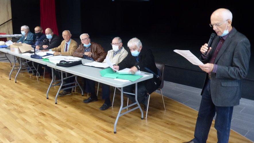 Les membres du bureau départemental de la Fnaca autour du président Robert Barthélémy.