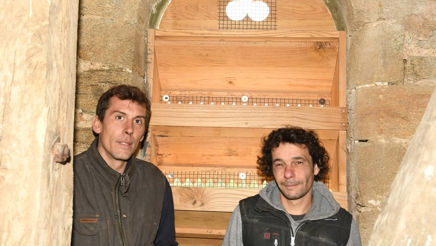 Des abat-sons reconstruits dans la pure tradition par Maurice et Raphaël.