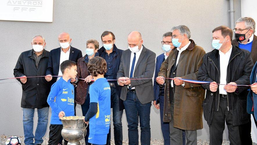 Le ruban a été coupé par le président du District, Arnaud Delpal, accompagné de nombreuses personnalités.