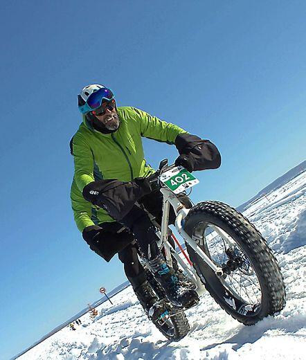Raids-aventure, stand up paddle, fat bikeen tandem,  les roues dans la neige... rien ne résiste au Villefranchois.