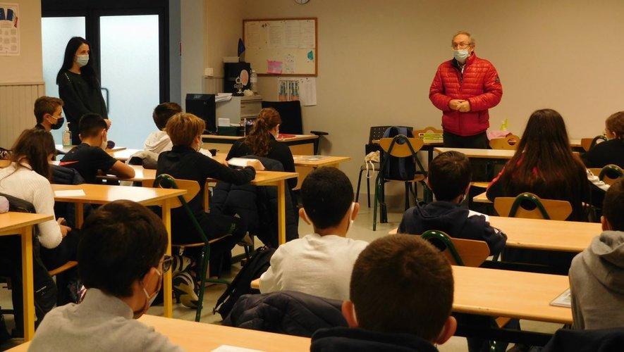 Le poète Etienne Faure a rencontré deux groupes de 36 élèves