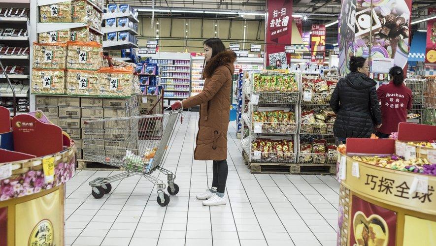 Le distributeur français Auchan a annoncé lundi la cession de sa filiale chinoise SunArt au géant du e-commerce Alibaba contre trois milliards d'euros.