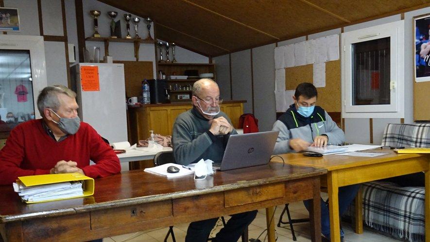 Bureau du Vélo Club ( Chriatian Authié, Jean Pierre Vaur, Ronan Douls)