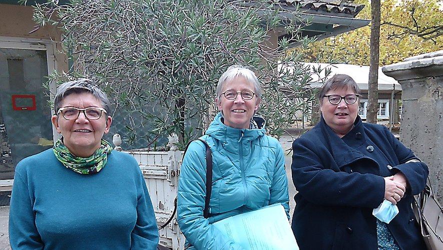 Isabelle Gaillard entourée de Sylvie Boulard et de Martine Hivin présentent le festival.