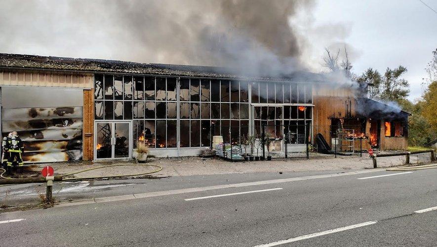 L'incendie a ravagé les deux-tiers des bâtiments en quelques minutes seulement.