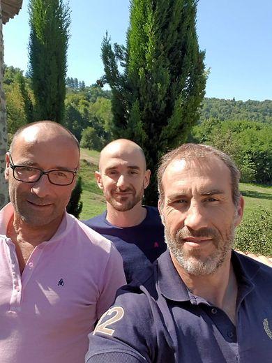 Hugo Gaston, Joris Segonds et Pierre Bardy, ambassadeurs de la marque à la petite abeille crée par trois copains.