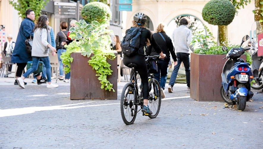 L'association des Cyclos-motivés appelle la municipalité à réaliser des aménagements pour faciliter la circulation des vélos.