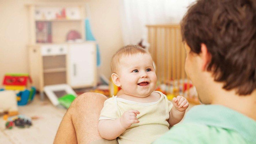 """Areuh, dada, bobo… Faut-il """"parler bébé"""" à son enfant ?"""