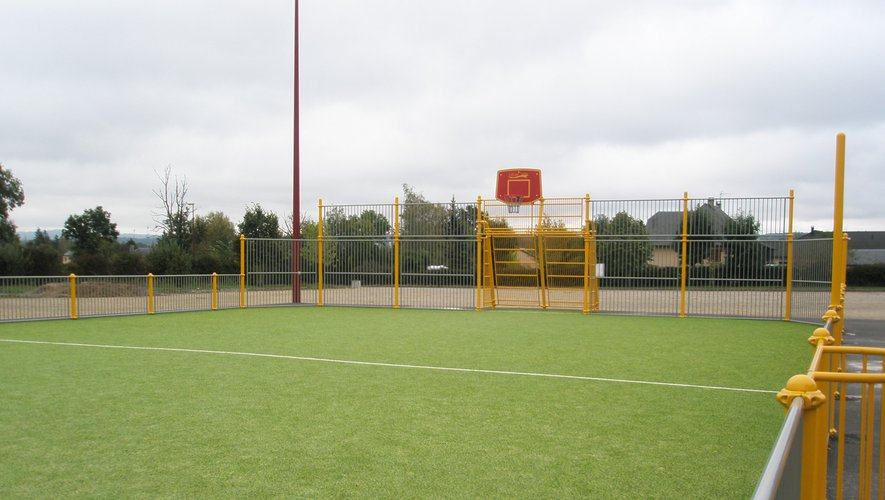 Le city stade situé en face de la salle du Puech en manque d'animations.