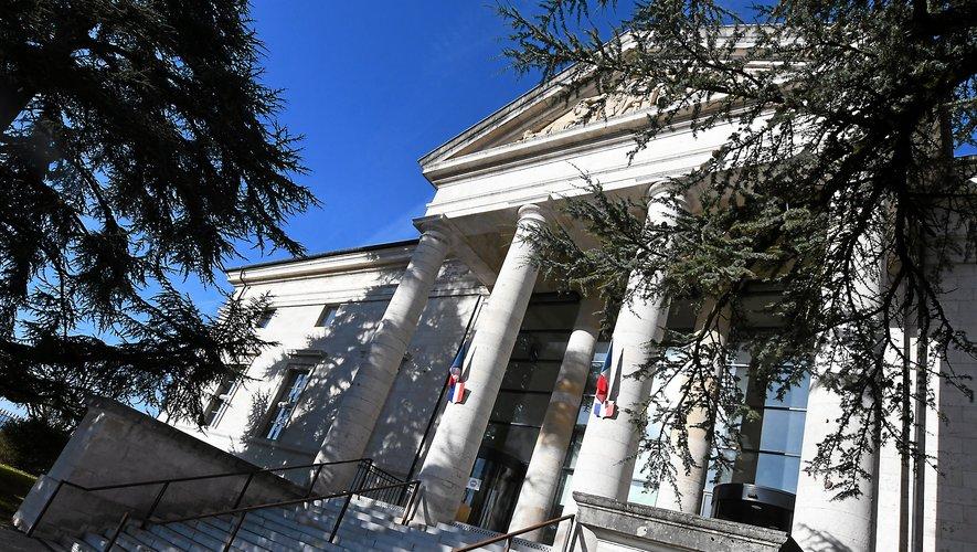 """Audience et faits """"abjects"""", hier matin au palais de justice de Rodez."""