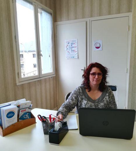 Céline Roussel est animatrice référente à l'accueil de la Maison France Services.
