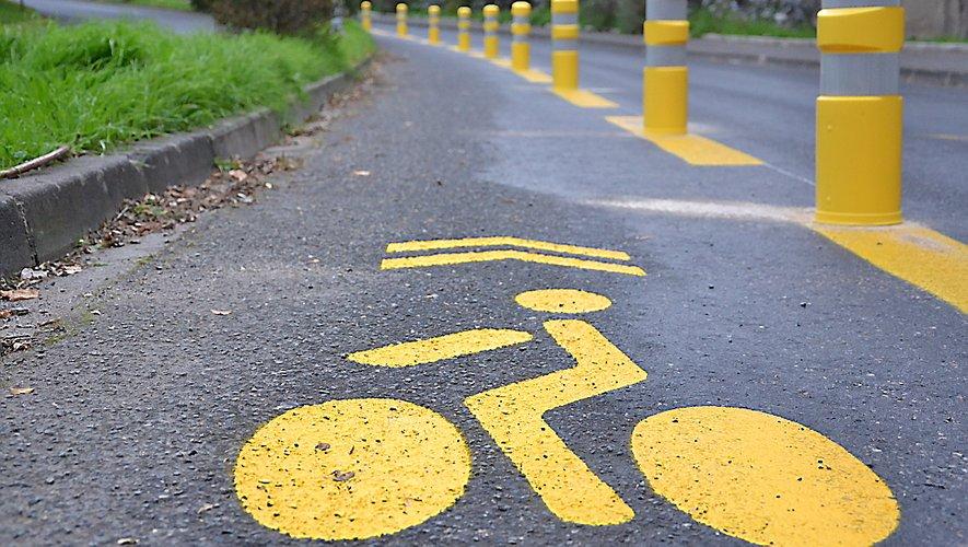 La montée au lycée Jean-Vigo est tracée pour les vélos et autres véhicules doux.
