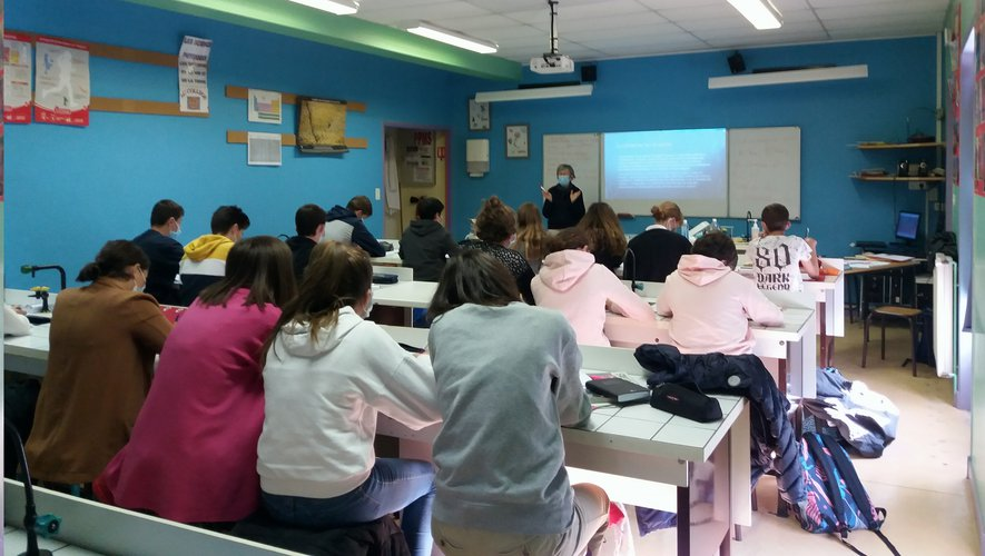 Sensibilisation des élèves sur les risques de cancer.