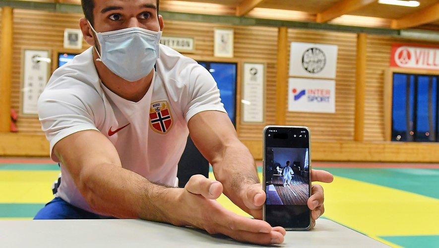 Un cours en vidéo de l'entraîneur, puis une séance en vidéo du pratiquant : le JRA contourne l'arrêt du sport amateur grâce aux nouvelles technologies.
