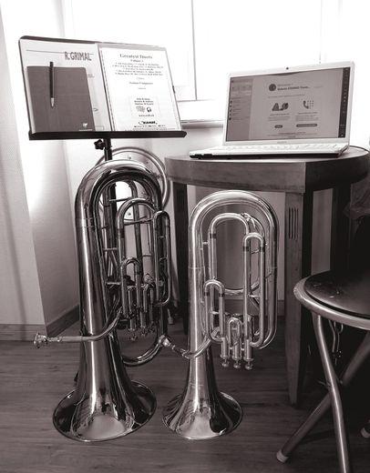 L'école de musique travaille à distance.