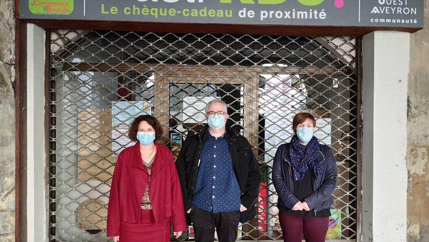 M. Couderc, présidente des commerçants, Ph. Rouquier, directeur de la Recyclerie et L. Laleuf, coordinatrice de la Conciergerie.