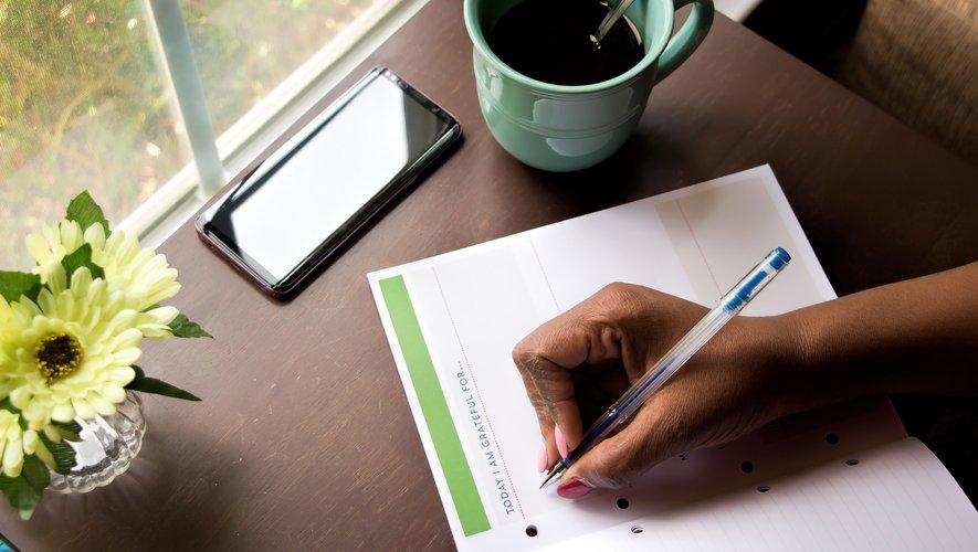 L'écriture manuscrite stimule aussi la mémoire et les processus cognitifs.