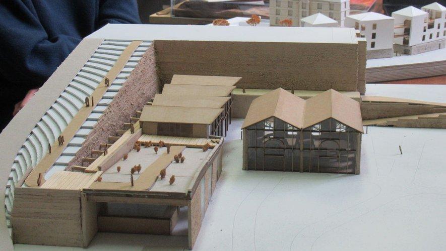 Une vue des soufflantes, à droite, dans un nouveau projet avec à gauche un marché couvert.
