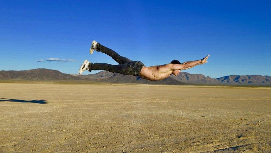 Gymnaste accompli, le natif de Mur-de-Barrez a trouvé dans le cirque un territoire infini d'expérimentation. DR