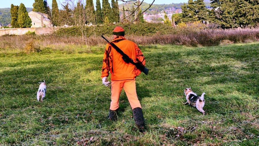 Le jeune homme était dans son jardin lorsque la balle du chasseur est venue lui ôter la vie.