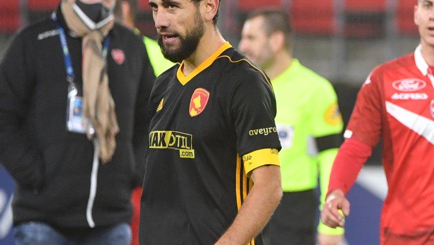 Samedi, Amiran Sanaia arborait le brassard de capitaine pour la première fois cette saison.