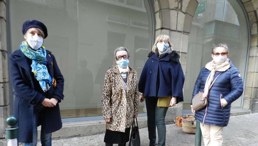 De gauche à droite : Delphine Trebosc, Nicole Viguié, Béatrice Guy et Christine Cayla veulent faire partager leur passion des crèches.