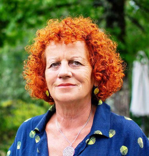 Monique De Marco, nom de jeune fille Truel, s'est frayé un chemin dans le monde de la politique et de l'écologie.