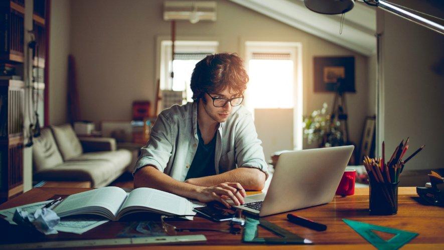 Selon une récente étude de l'Institut McKinsey, 22% des employés aux États-Unis pourraient travailler à distance de façon permanente entre trois et cinq jours par semaine sans que cela nuise à la productivité, contre seulement 5% en Inde.