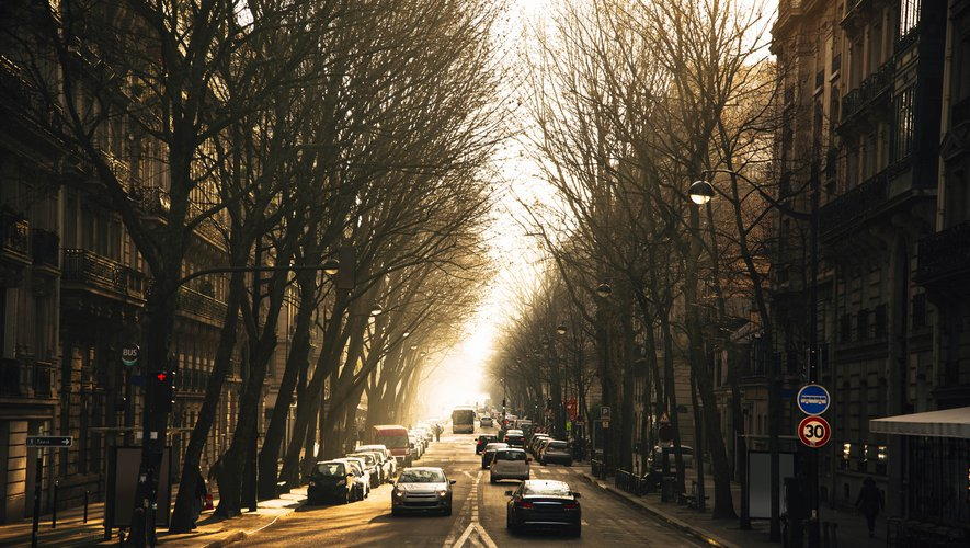 Du 2 au 16 novembre 2020, soit les deux premières semaines du confinement d'automne, l'empreinte carbone des Français associée au domaine des transports a chuté de 67%.