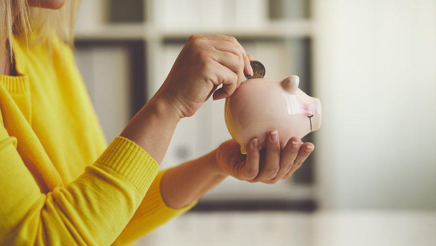 Les Français ont épargné 90 milliards d'euros supplémentaires sur les neuf premiers mois de l'année, du fait de la crise sanitaire et économique.