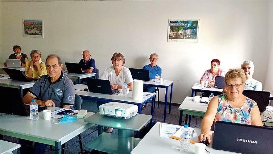 Les participants à l'atelier informatique.
