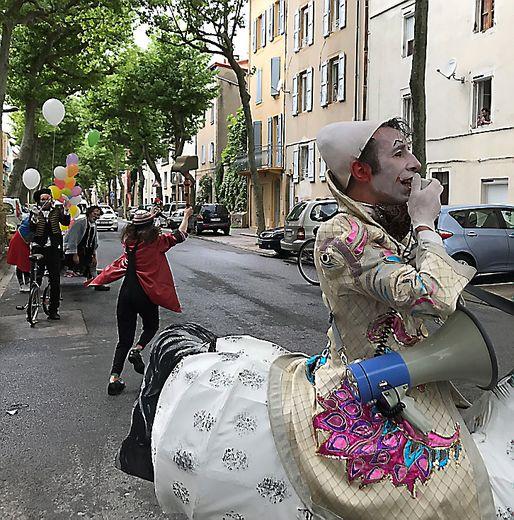 Faites entrer les clowns : rendez-vous le 21 pour une parade en ville.