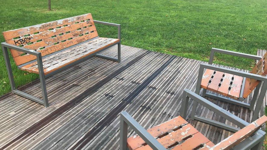 Une rénovation plus que nécessaire pour certains éléments du mobilier urbain.