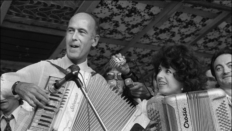 Valéry Giscard d'Estaing, ce n'est pas que l'accordéon, instrument qu'il maîtrisait: l'ancien président a ainsi donné son nom à un titre de Dombrance.