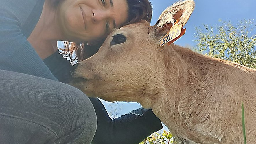 À la petite ferme Natur'ailes, Manon veut faire partager sa passion des animaux