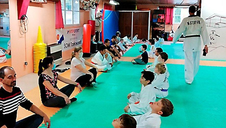 En attendant que les adultes réinvestissent le dojo du taekwondo.