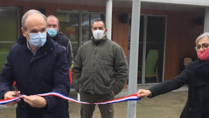 Sous sa casquette de président du CCAS, le maire François Marty a inauguré la première initiative d'écopâturage.