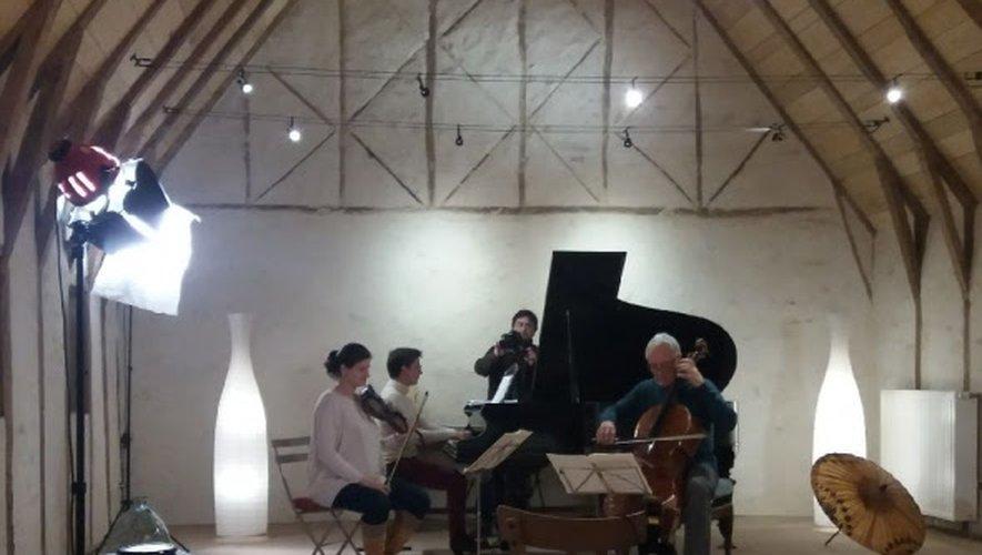 Emeline Concé, Anne Le Bozec et Alain Meunier, musiciens de renom, joueront jeudi soir pour le réveillon.