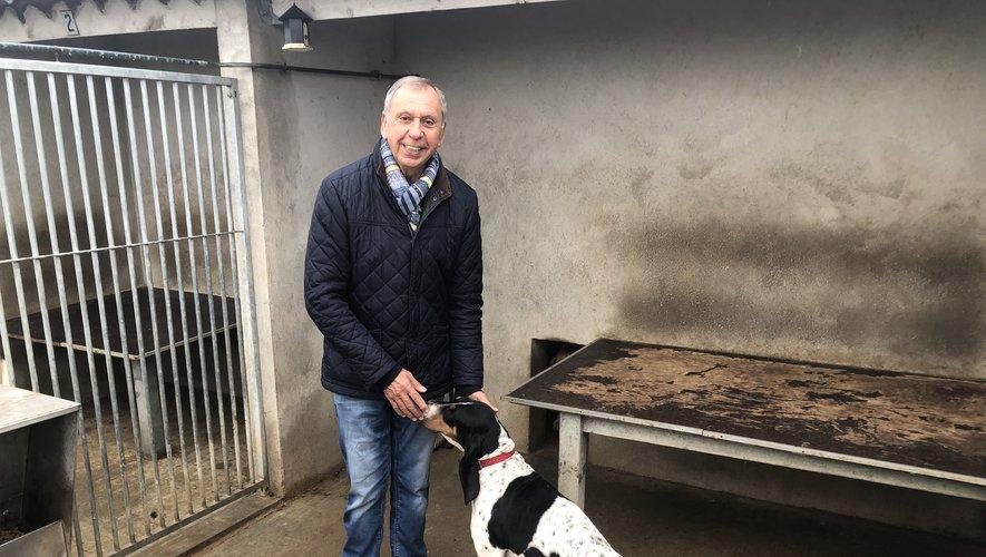 Jean-Claude Luche consacre une partie de son temps à la chasse et à ses chiens.